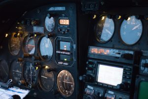 altimeters in airplane